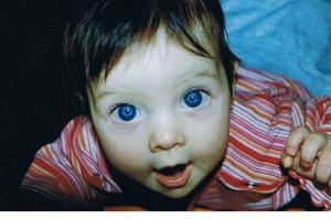 Joela, knapp 4 Monate alt.